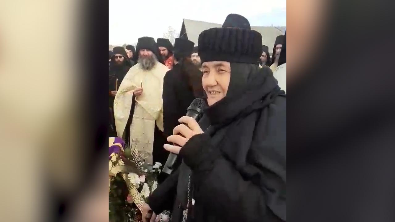 Mati Glikerija na sahrani nekadašnjeg episkopa raško-prizrenskog Artemija