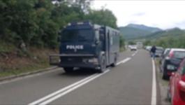 Kolona od 15 vozila specijalne policije prošla kroz Leposavić prema Jarinju