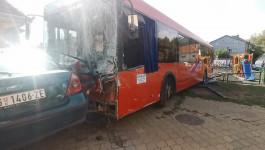 Autobus uleteo u dečiji park u Zemunu