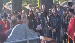 JELENI UMIRU SAMI ZA KRAJ: Najpotresniji prizor sa sahrane Marka Živića