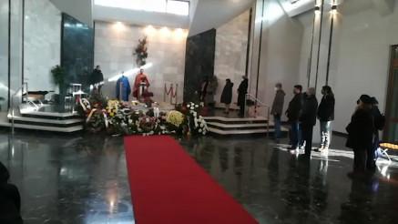 POSLEDNJI OPROŠTAJ: Na groblju Lešće počela kremacija Miše Aleksića
