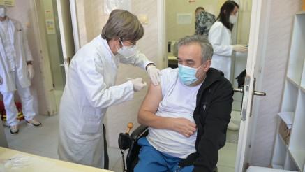 IMAMO SAMO OVU JEDNU SRBIJU: Paraolimpijac primio vakcinu i pozvao na borbu protiv kovida
