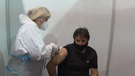 PUNKT NA SAJMU: Vakcinu primio Bratislav Gašić