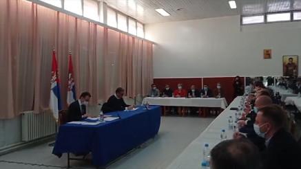 VUČIĆ U KURŠUMLIJI: Predsednik sa predstavnicima Srba sa KiM