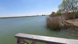 Jezero Vranjas i sel0 Mandjelos gde se dečak utopio