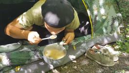 ČEKA VAKCINU U SRBIJI: Japanac se na putu oko sveta zaustavio u šumarku kod Niša