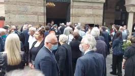OPROŠTAJ OD BRACE PETKOVIĆA: Na sahrani veliki broj prijatelja i kolega, došao i predsednik Vučić