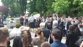 POSLEDNJE ZBOGOM UZ VOSTANI SERBIJE: Sahranjen Braca Petković