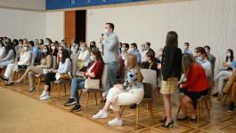 A SADA NA POSAO: Najbolji diplomci medicinskih fakulteta u Srbiji sa ministrom zdravlja
