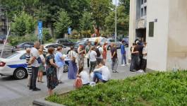 GUŽVA ZA PASOŠE: Redovi ispred policijske stanice u zgradi Tanjuga na Obilićevom vencu