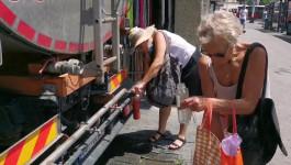 RASHLAĐIVANJE: Zbog velikih vrućina postavljene su cisterne na nekoliko lokacija u Beogradu
