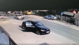 Jeziv snimak: Ženu pokosio automobil na pešačkom prelazu u Novom Pazaru